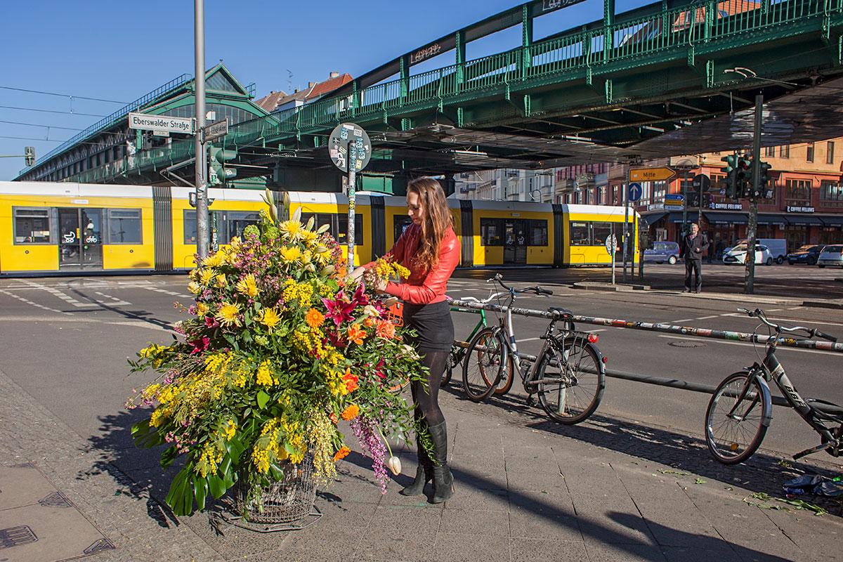 Mona Isabelle // Flower Flash // Eberswalder Strasse