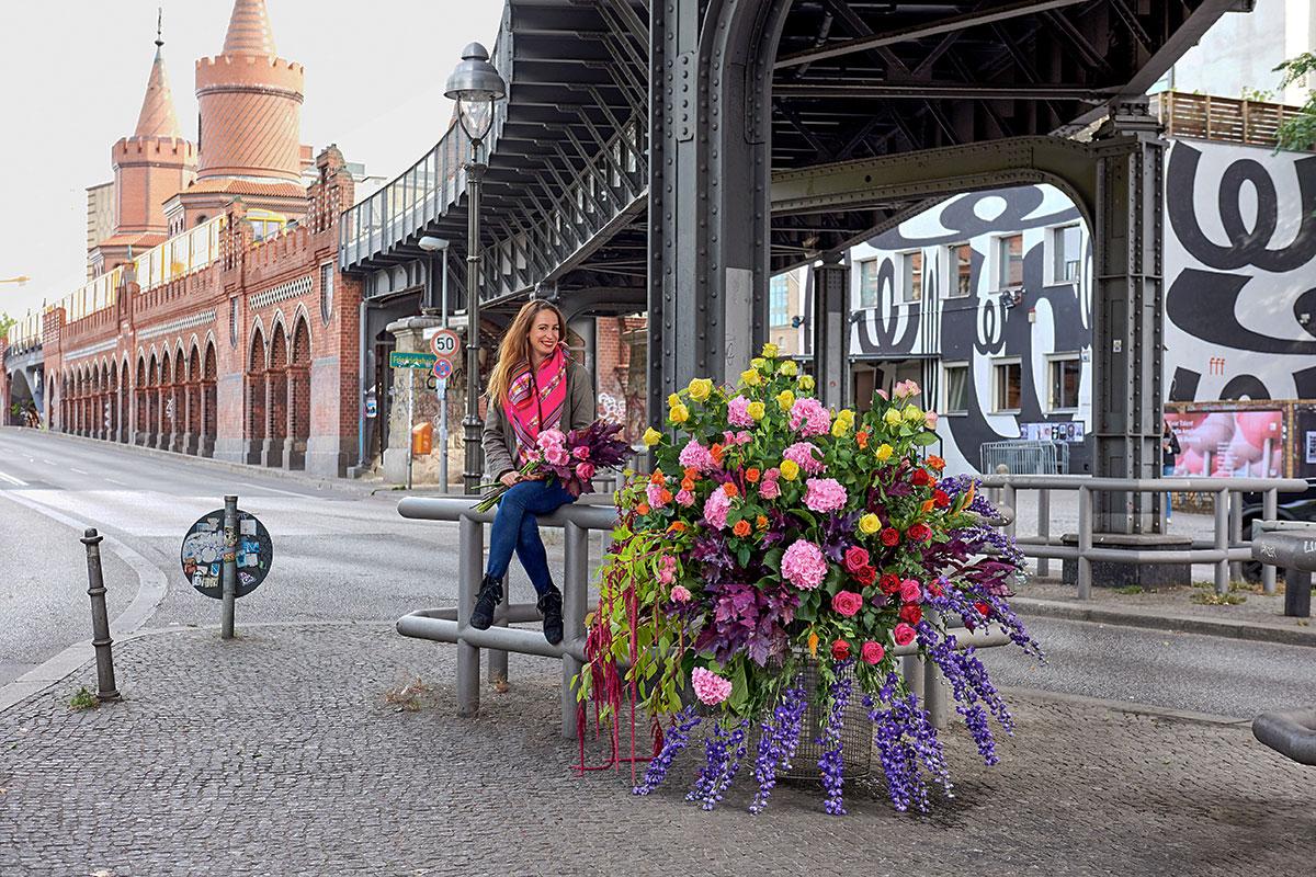 Mona Isabelle // Flower Flash // Oberbaumbrücke